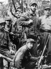 Cette photo prise en 1957 montre Fidel Castro... (AFP) - image 3.0
