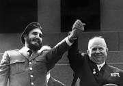 Fidel Castro et le leader des Soviets Nikita... (AFP) - image 7.0