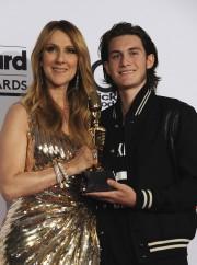 Céline a reçu un trophée hommage des mains... (AFP, Bryan Haraway) - image 8.0
