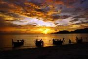 Le coucher de soleil à Koh Adang: un... (PHOTO AUDREY RUEL-MANSEAU, LA PRESSE) - image 2.0