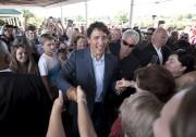 Justin Trudeau était manifestement heureux mardi de se... (La Presse Canadienne, Darren Calabrese) - image 2.0