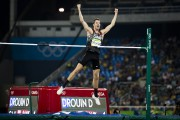 Derek Drouin... (PHOTO AFP) - image 2.1