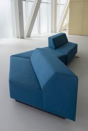 Le modèle de canapé retenu pour l'ensemble des... (MNBAQ, Idra Labrie) - image 2.0