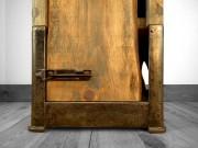 Cette armoire en bois est assise sur une... (Fournie par Jean-François Lettre) - image 2.0