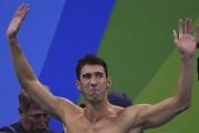 Michael Phelps après la victoire américaine au relais... (AFP, Gabriel Bouys) - image 6.0