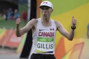 Eric Gillis, originaire d'Antigonish, en Nouvelle-Écosse, a complété... (La Presse Canadienne, Jason Ransom) - image 3.0