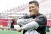 L'entraîneur de la ligne offensive, Bryan Chiu,était un... (Patrick Woodbury, Archives LeDroit) - image 3.0