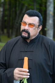 Steven Seagal... (Photo Stasevich Andrei Olegovich, AFP) - image 1.0