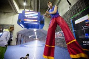Juché sur des échasses, Grégoire Dunlevy est un... (Photo Ninon Pednault, La Presse) - image 9.0