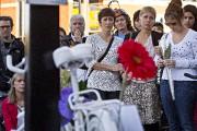 Une foule de plus d'une centaine de personnes... (photo Patrick Sanfaçon, La Presse) - image 1.0
