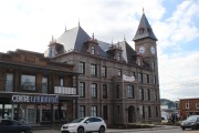 L'hôtel de ville de Port-Alfred a été conçu... (Mélissa Bradette) - image 3.0