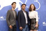 Le réalisateur François Ozon entouré des acteurs de... (AFP) - image 2.0