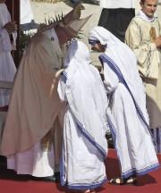 Des soeurs des Missionnaires de la Charité, la... (Photo Alessandra Tarantino, AP) - image 1.0