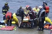 L'opération de sauvetage a nécessité l'intervention des ambulanciers,... (Photo Le Quotidien, Mariane L. St-Gelais) - image 3.0