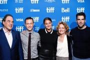 Le réalisateur Oliver Stone accompagné des acteurs Joseph... (PhotoGalit Rodan, La Presse Canadienne) - image 1.0