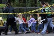 13 septembre 2006: il a aussi fallu évacuer... (Archives La Presse canadienne, Ryan Remiorz) - image 3.0