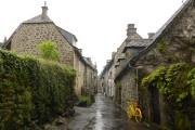 Même sous la pluie, Salers a de quoi... (PHOTO FABIENNE COUTURIER, LA PRESSE) - image 4.0