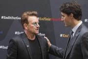 Justin Trudeau et Bono.... (PHOTO GEOFF ROBINS, AFP) - image 1.0