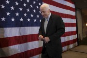 John McCain... (Archives AFP) - image 13.0