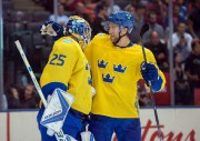Jacob Markstrom et Victor Hedman... (Photo Nick Turchiaro, USA TODAY Sports) - image 3.0