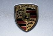 L'écusson Porsche. Photo: Reuters... - image 6.0
