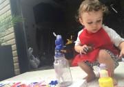 Elliot, 20 mois, adore dessiner avec son père,... (PHOTO FOURNIE par la famille) - image 3.0