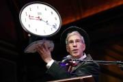 Le maître de cérémonie des Ig Nobel Marc... (AP, Michael Dwyer) - image 9.0