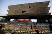 Le musée est un imposant bloc moderne paré... (PHOTO JOSHUA ROBERTS, REUTERS) - image 1.0