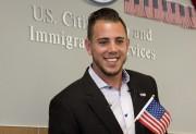 D'origine cubaine, Fernández a reçu sa citoyenneté américaine... (PHOTO J PAT CARTER, ARCHIVES AP) - image 4.1