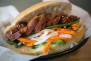 Les sandwichs sont préparés à la demande, et... (PHOTO FRANÇOIS ROY, LA PRESSE) - image 2.0