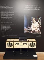 Le système de son personnel de David Bowie,... (AFP, Angela Weiss) - image 2.0