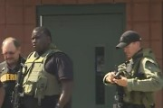 Un nombre important de policiers et de membres... (AP) - image 2.0