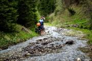 Jonathan B. Roy près d'une rivière, en Bosnie... (Photo tirée du blogue de Jonathan B. Roy) - image 1.0