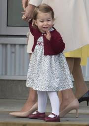 La princesse Charlotte a salué la foule à... (Photo PC) - image 6.0