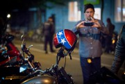 La nouvelle génération de motards s'affiche avec un... - image 4.0