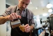 Ancien propriétaire du café Le Couteau, Chris Capell... (PHOTO ÉDOUARD PLANTE-FRÉCHETTE, ARCHIVES LA PRESSE) - image 2.0