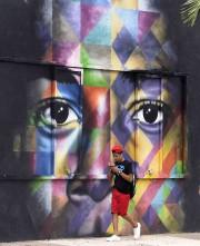 Oeuvre de Kobra... (AFP, Rhona Wise) - image 2.0
