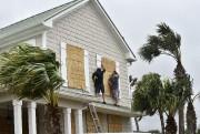 Des milliers d'Américains ont reçu l'ordre d'évacuer le... (photo Will Dickey, The Florida Times-Union/AP) - image 1.0