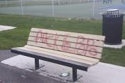 Deux bancs ont également été visés par les... (Tirée de Facebook) - image 1.0
