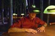 Le visiteur se voit remettre un casque de... (Le Soleil, Jean-Marie Villeneuve) - image 1.0