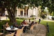 Construit en 1930, l'hôtel Nacional offre d'agréables jardins.... (PHOTO Martin Chamberland, LA PRESSE) - image 2.0