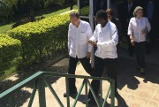 Ban Ki-moon avec le premier ministre haïtienEnex Jean-Charles... (AP, Ben Finley) - image 2.0