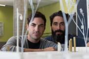 Philippe Allard et Justin Duchesneau devant la maquettede... (Photo Olivier Jean, La Presse) - image 1.1