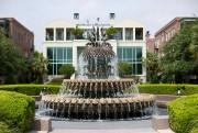 La fontaine en forme d'ananas au Waterfront Park.... (PHOTO SARAH MONGEAU-BIRKETT, LA PRESSE) - image 2.0