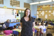 Anne-Sophie Ruel enseigne en première année à l'école... (photo Julie Catudal) - image 3.0