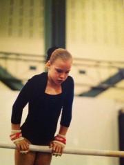 Stéphanie Bouchard, alors qu'elle faisait de la gymnastique.... (Photo fournie par Stéphanie Bouchard) - image 2.0