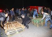 Des dizaines d'habitants du village de Gorino en... (AP, Filippo Rubin) - image 3.0
