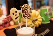 Des sucettes au chocolat... (PHOTO HUGO-SéBASTIEN AUBERT, LA PRESSE) - image 2.0
