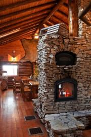 Pour se réchauffer près du foyer, il faut... (PHOTO STÉPHANIE MORIN, LA PRESSE) - image 3.0