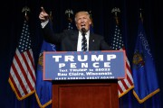 Donald Trump a livré un discours à Eau... (PHOTO AP) - image 2.0